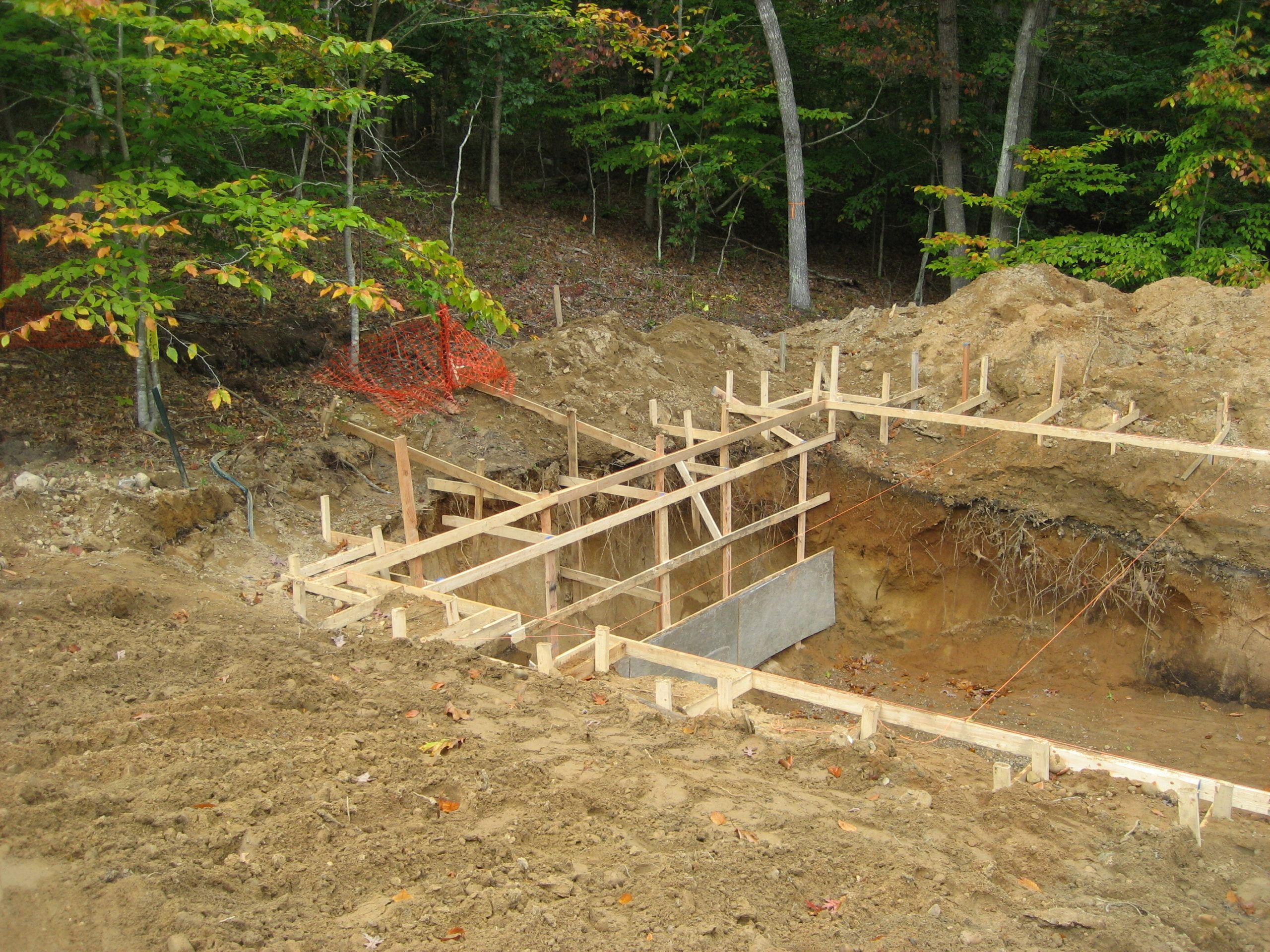 Work begins on the kettle hole house in 2006.