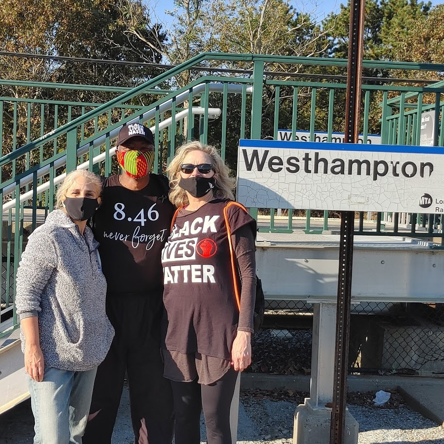 Leon Goodman with new friends Alexis Gersten and Mary Alyce Rogers at the train station in Westhampton. COURTESY LEON GOODMAN