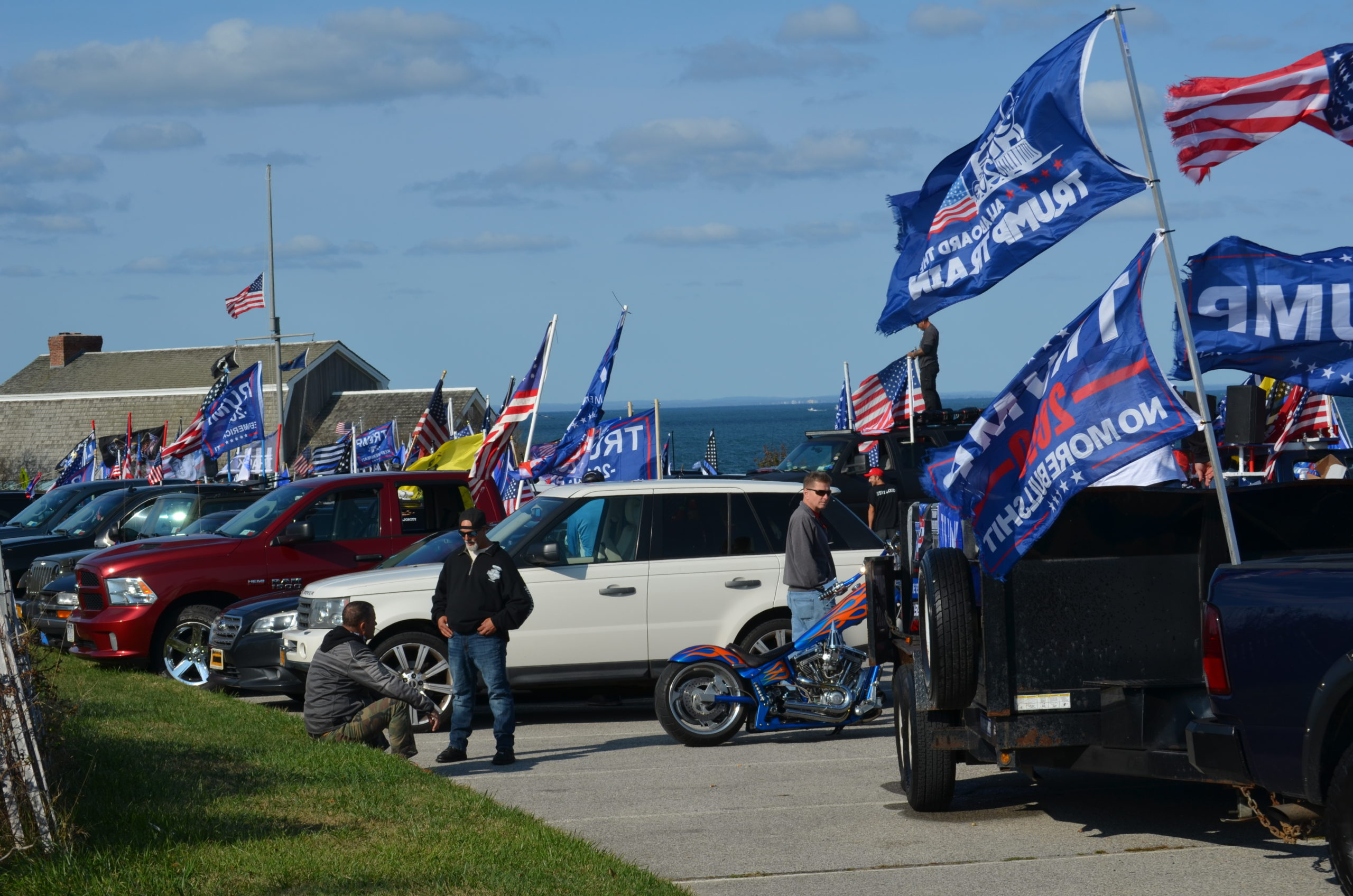The parking lots at the Montauk lighthouse were filled as parade attendees reached the end of the route.