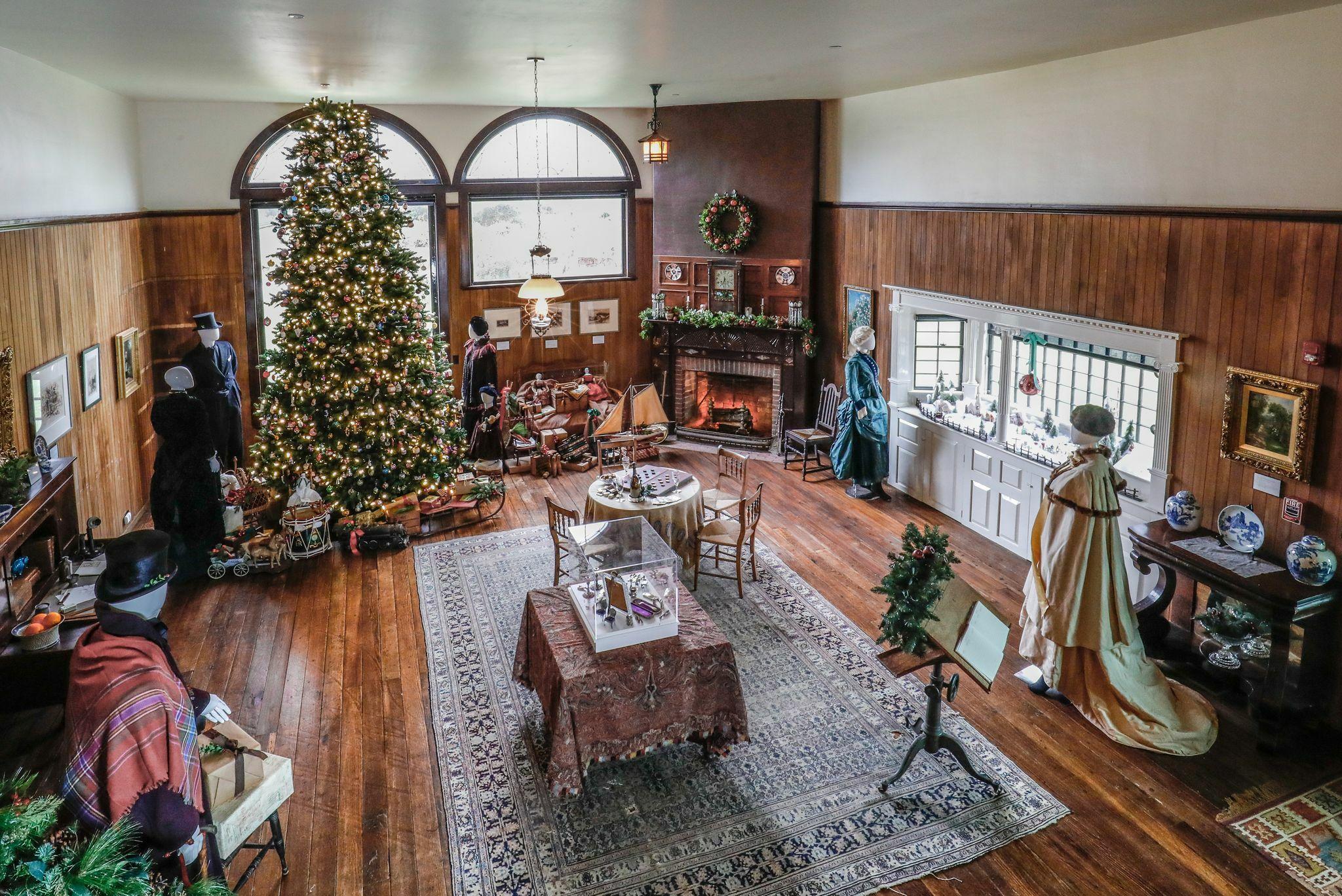 Moran House at Christmas.