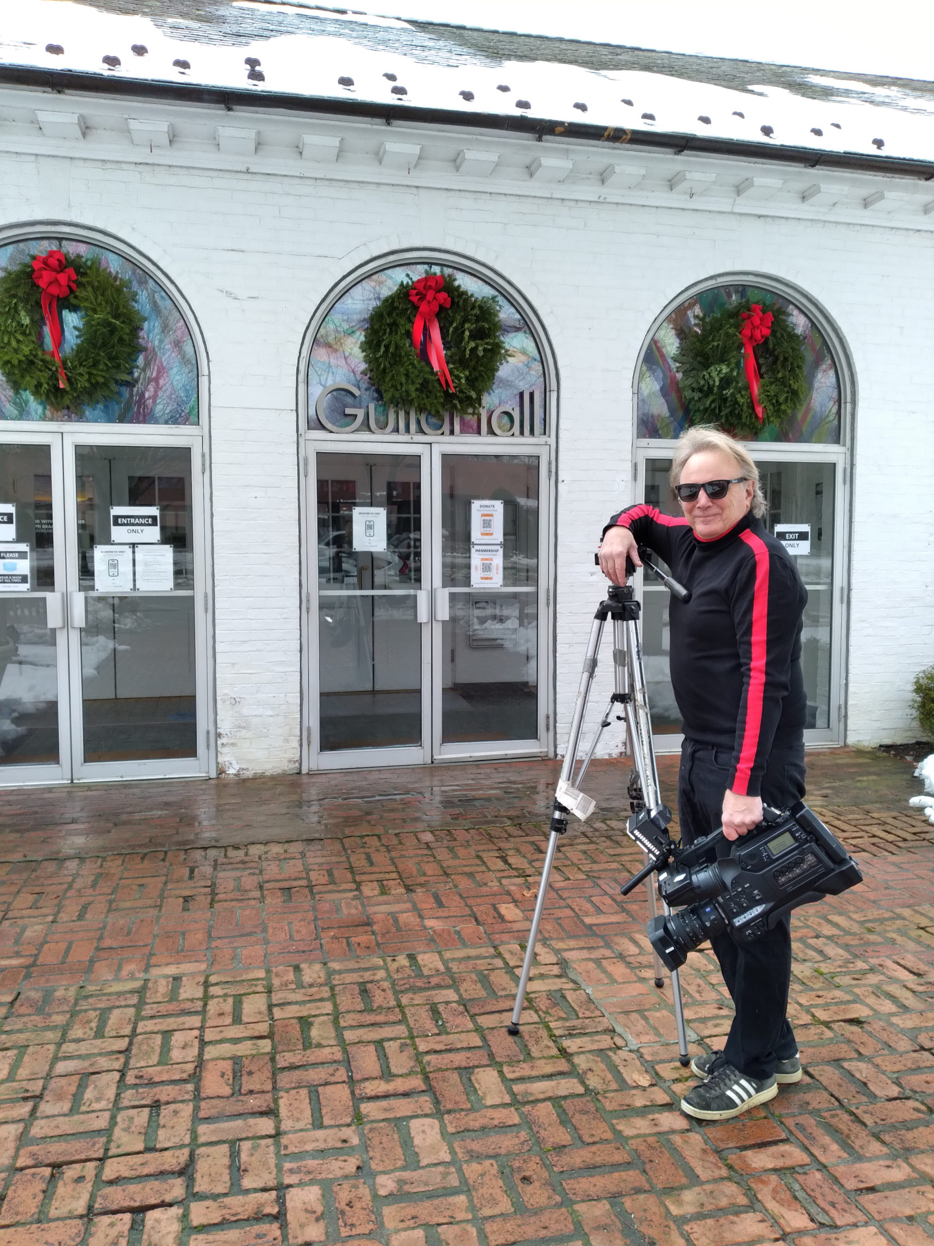 """East Hampton resident Frank Vespe recently released  his local holiday carol, """"Another East End Christmas."""" COURTESY FRANK VESPE"""