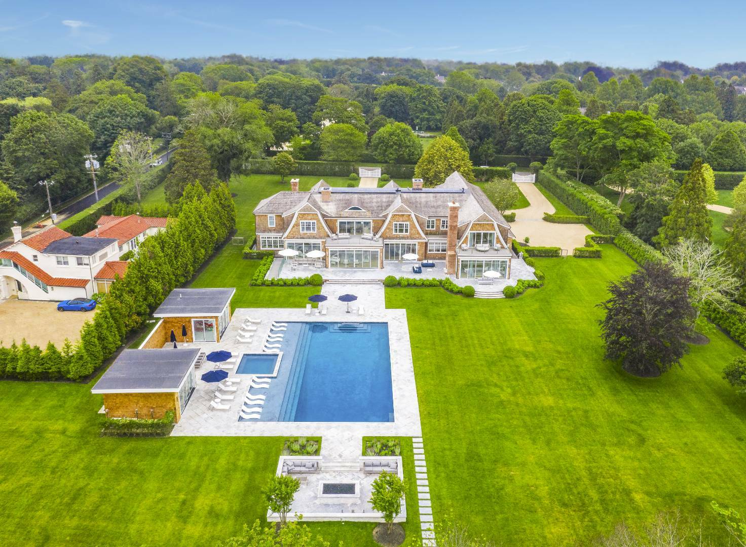 55 Coopers Neck Lane recently sold for $33.7 million.