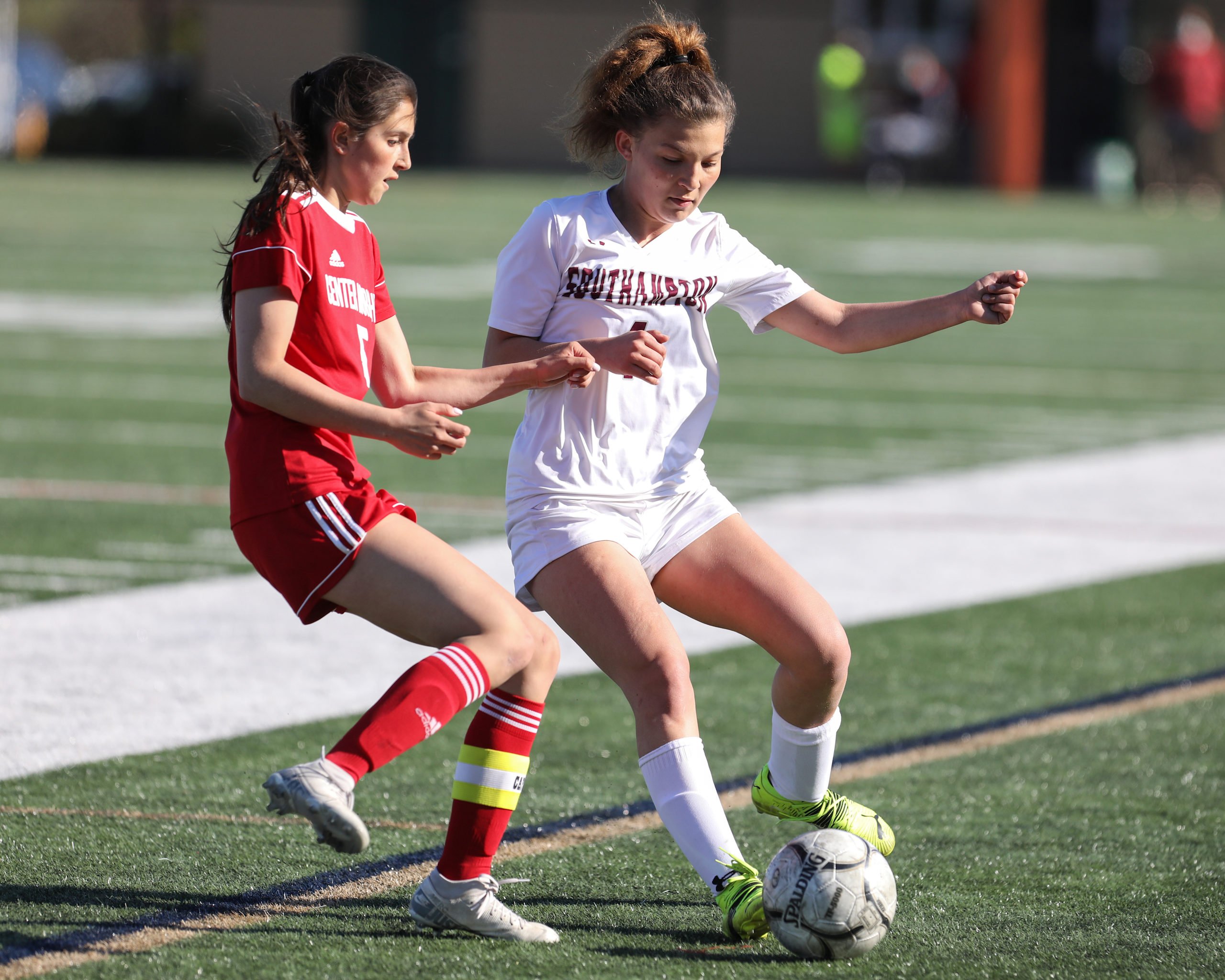 Southampton junior Gabriella Arnold maintains possession of the ball.