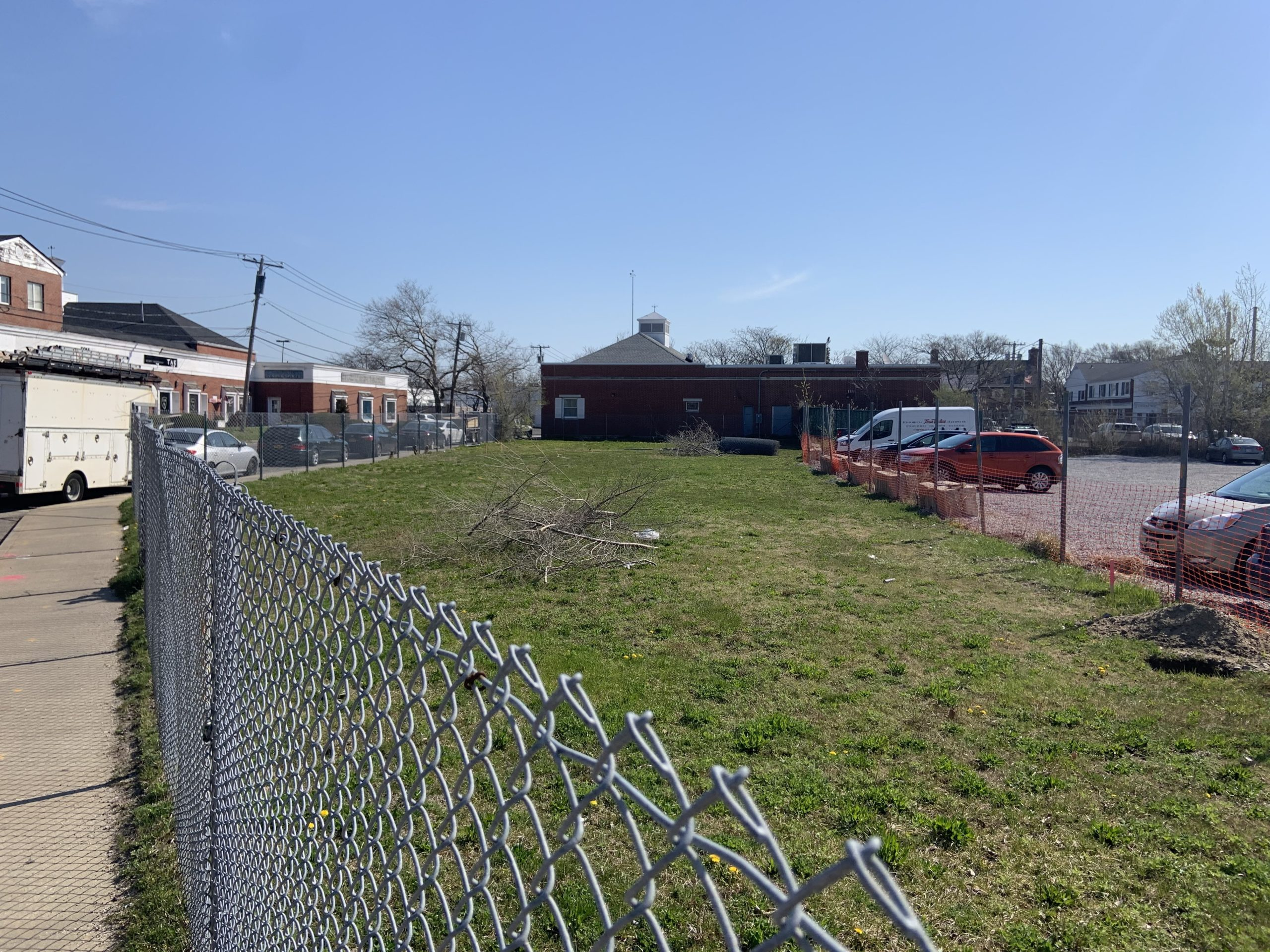 The Schiavoni property on Long Island Avenue remains vacant. STEPHEN J. KOTZ