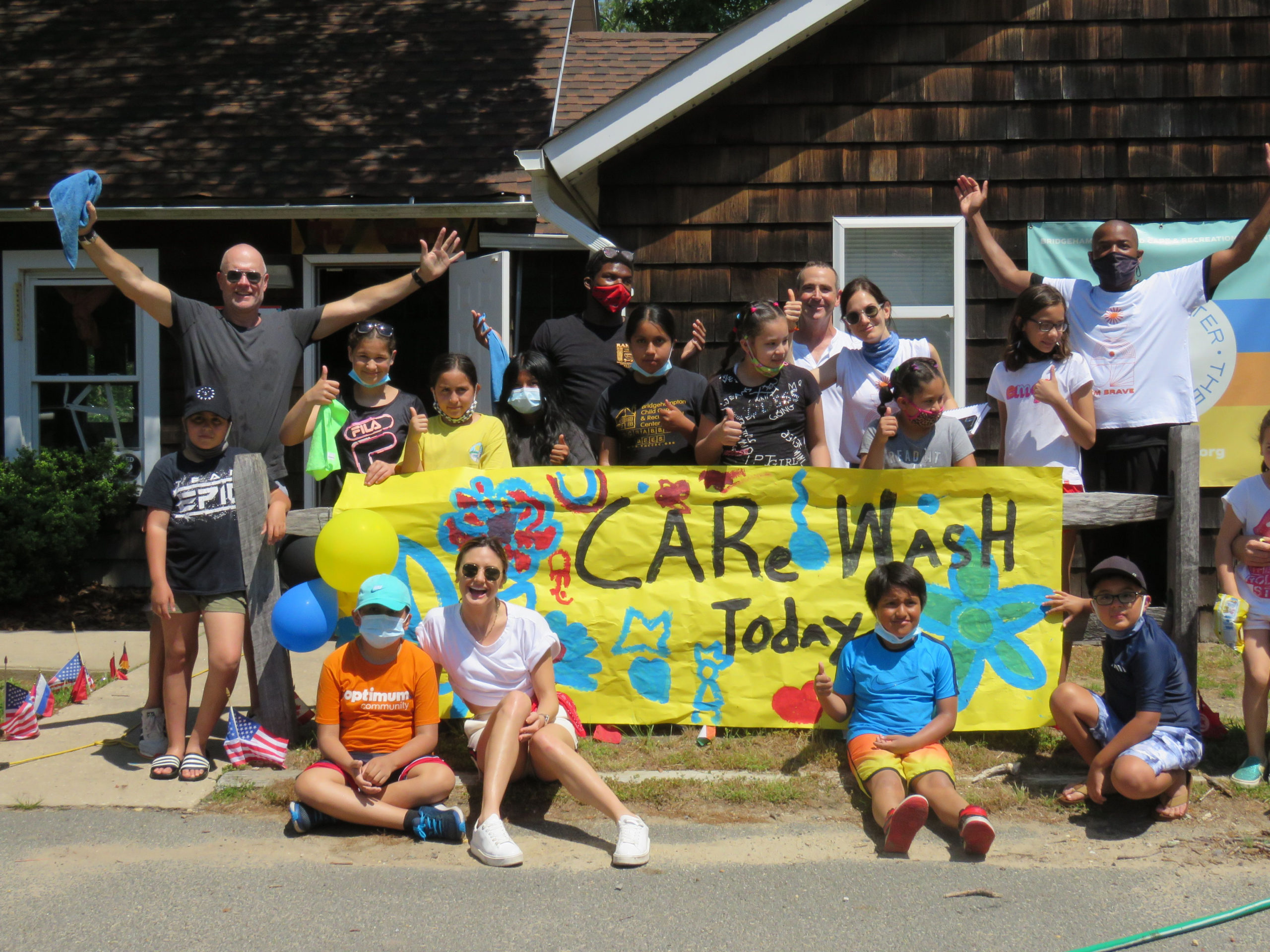 Volunteers at the CARe Wash on June 5.    KIMBERLY GOFF