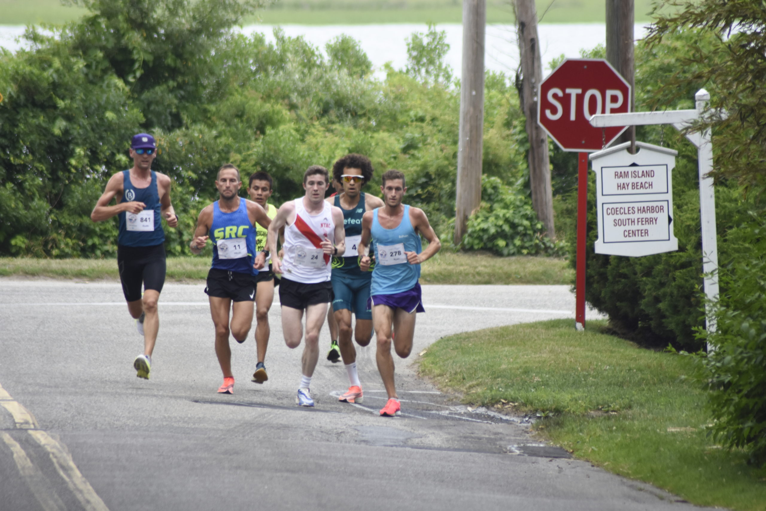 The same pack of runners stuck together through much of the race on Saturday.