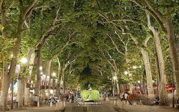 Aix-en-Provence Cours Mirabeau.