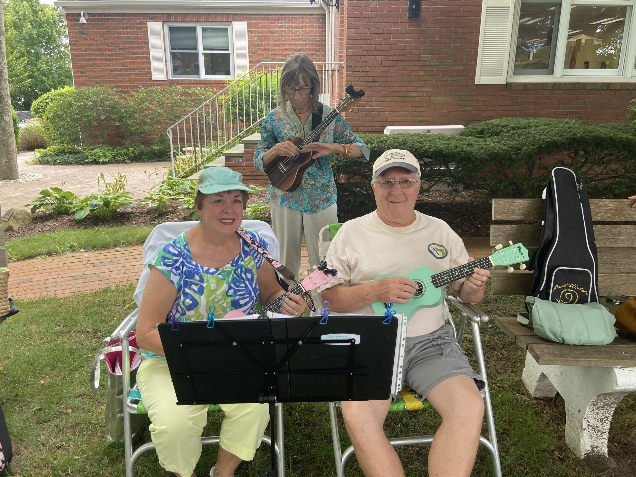 A husband and wife duo joins the Ukelele group to jam out on Monday.