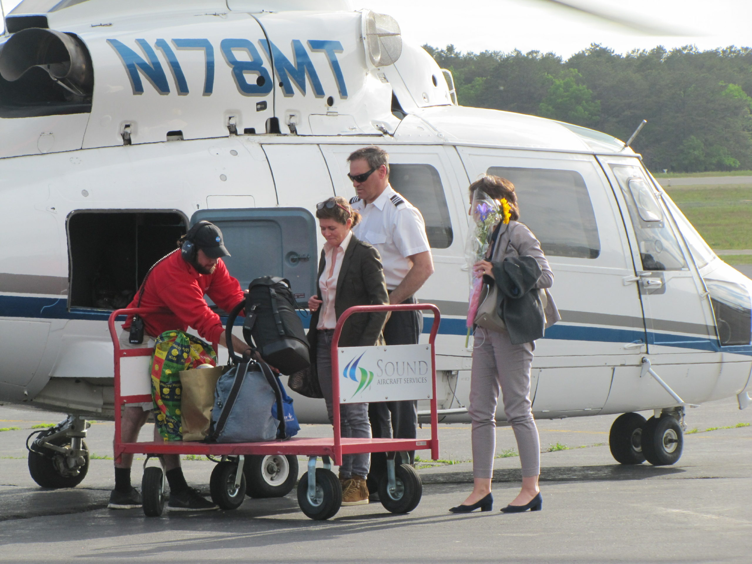 The number of passengers that disembarks from each airplane or helicopter that lands at East Hampton Airport this summer will be recorded to help the town gauge the economic and environmental impact of the airport.   MICHAEL WRIGHT
