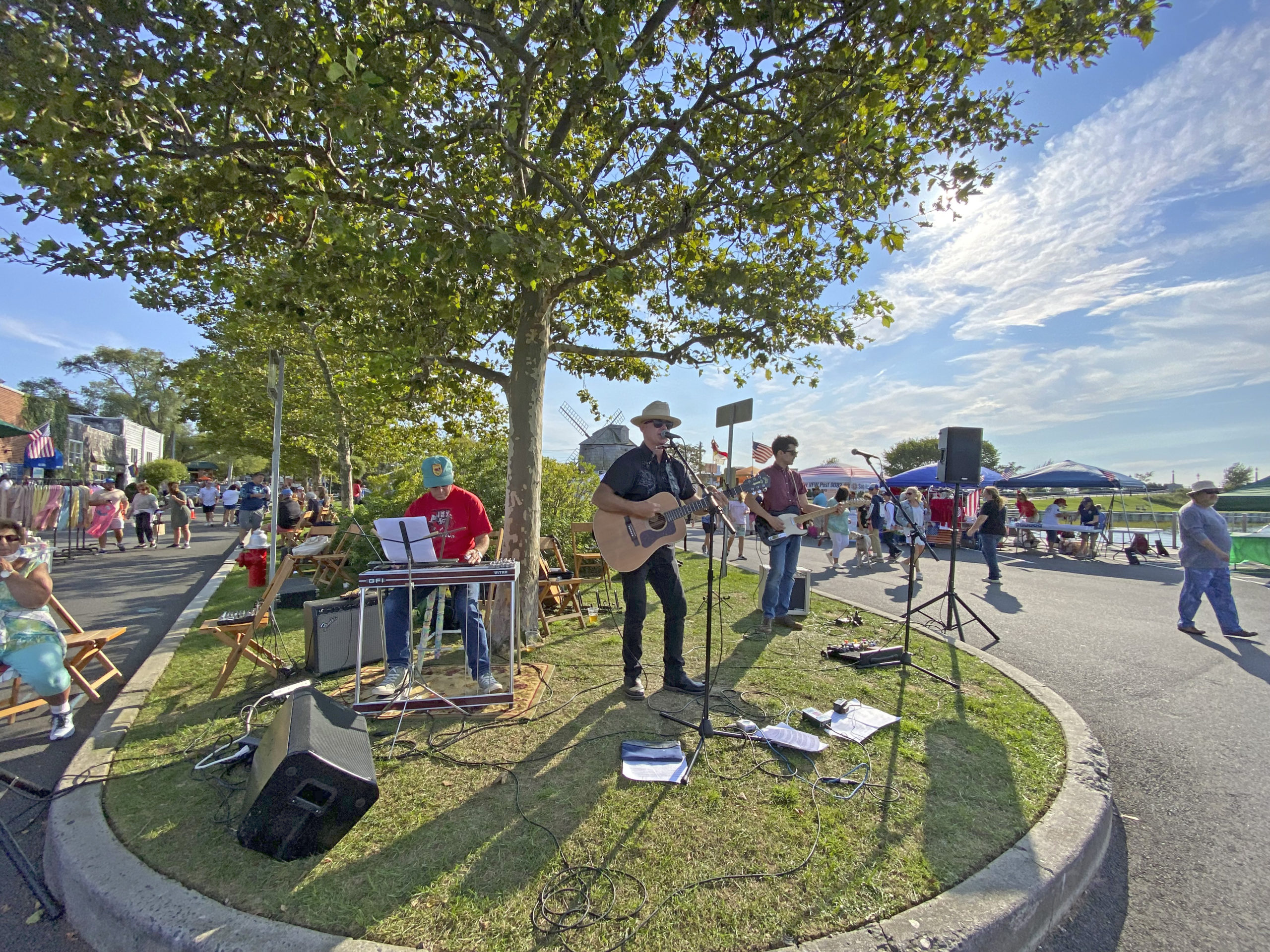 The Mick Hargreaves Combo performs on Saturday afternoon.  DANA SHAW
