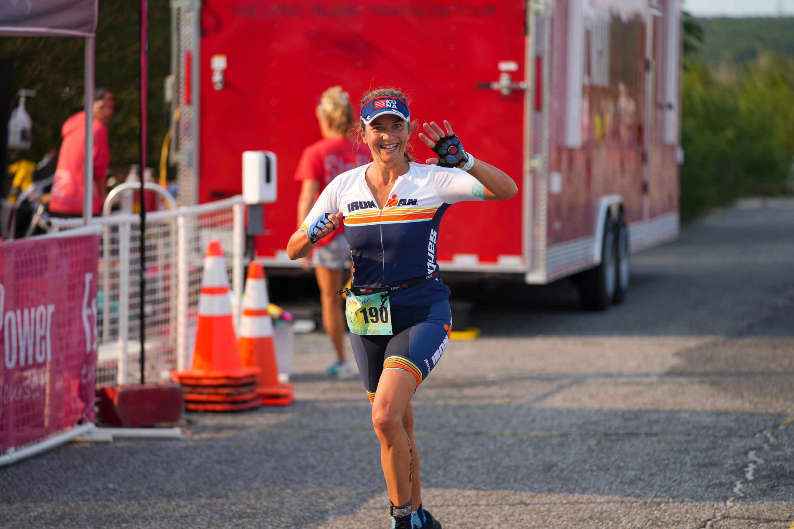 Maria Teresa Abbadessa heads toward the finish line.