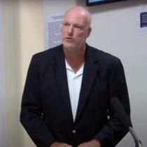 Geoffrey Hull speaks at the September 9 Southampton Village Board hearing.