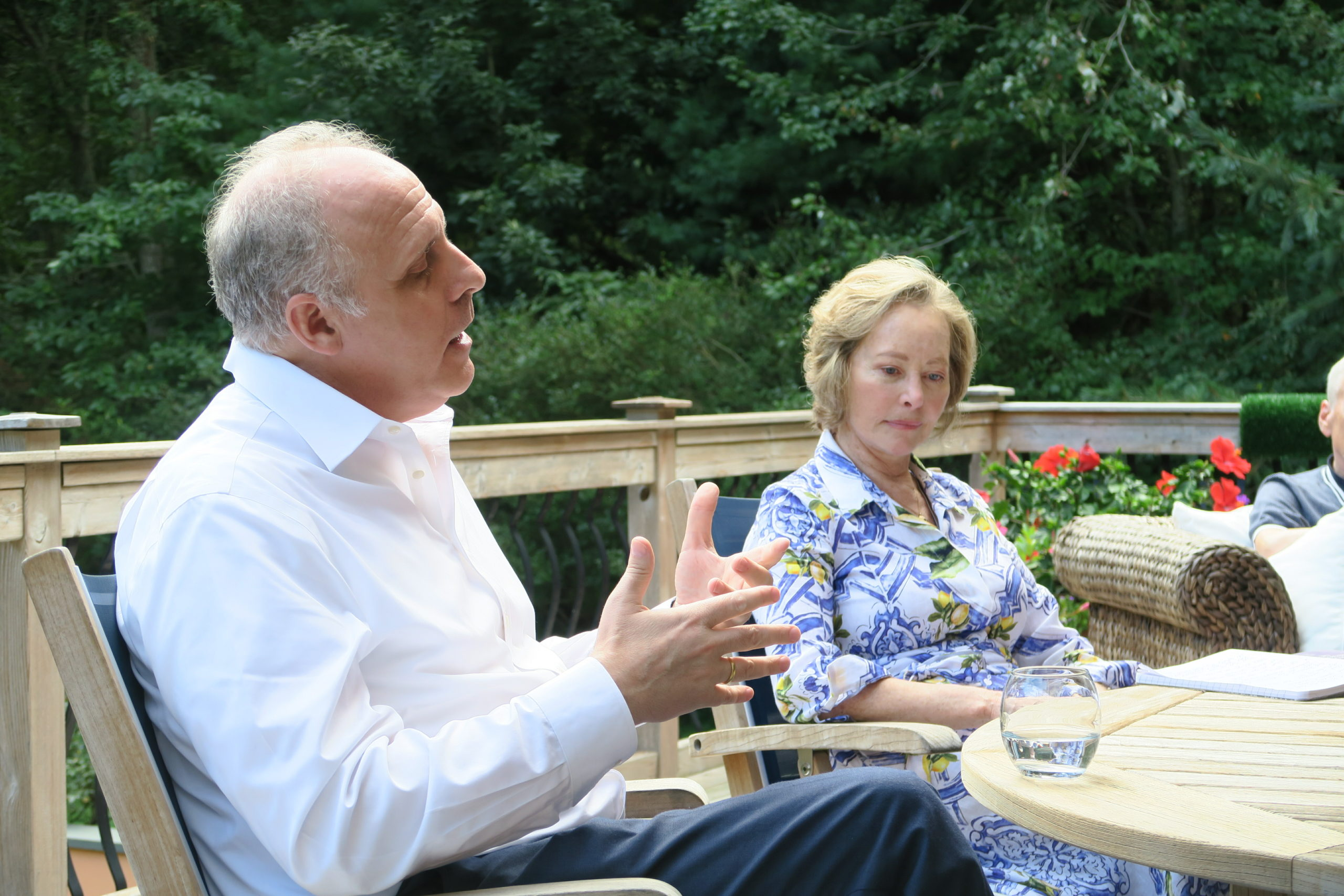 On Saturday, September 25, Dr. Ahron Friedberg, distinguished Manhattan and Sag Harbor psychiatrist and resident, held a reading and discussion of his book,